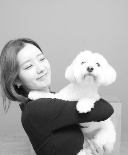 [단독인터뷰] 유기견 설탕이 입양한 에이핑크 윤보미